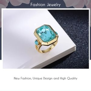 3D Blue Crystal Ring.  S8